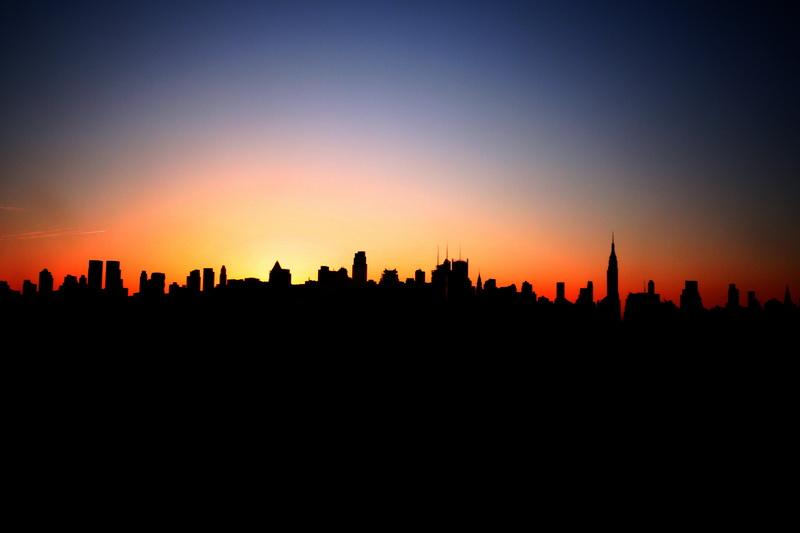 Lo skyline di Manhattan all'alba