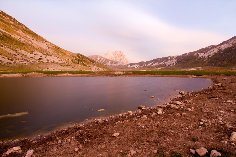 Lago Pietranzoni all'alba