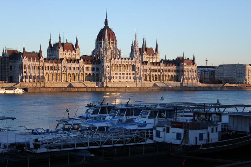 Il palazzo del Parlamento ungherese